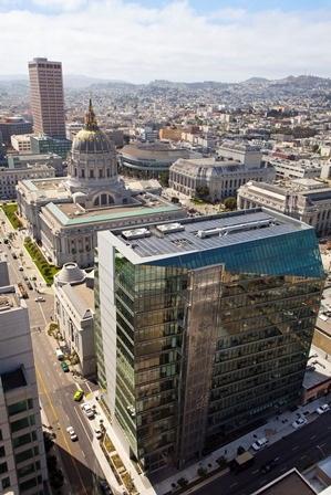 مقر SFPUC في المقر الرئيسي في 525 Golden Gate Avenue في سان فرانسيسكو.