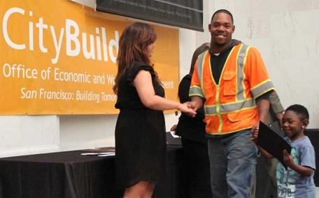 Sinh viên CityBuild nhận bằng tốt nghiệp