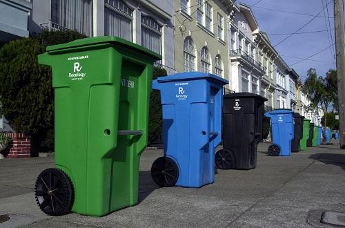 thùng rác trên vỉa hè